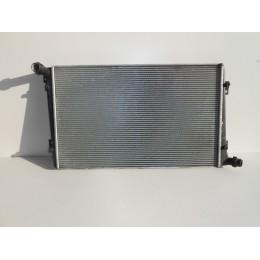 Радиатор охлаждения Volkswagen Caddy 2004-2010